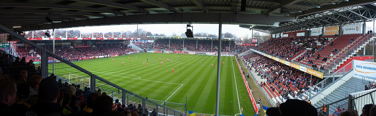 groundhopping blog blogarchiv bl2 fc energie cottbus btsv 3 1 2 1. Black Bedroom Furniture Sets. Home Design Ideas